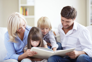 Mom-and-dad-reading-with-kids_0